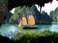 Trang chủ - Du lịch Tuần Trăng Mật [Hạ Long - Du thuyền Âu Cơ - Vịnh Bắc Bộ]